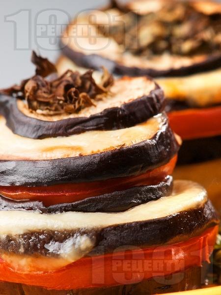 Патладжани с моцарела и домати на фурна - снимка на рецептата